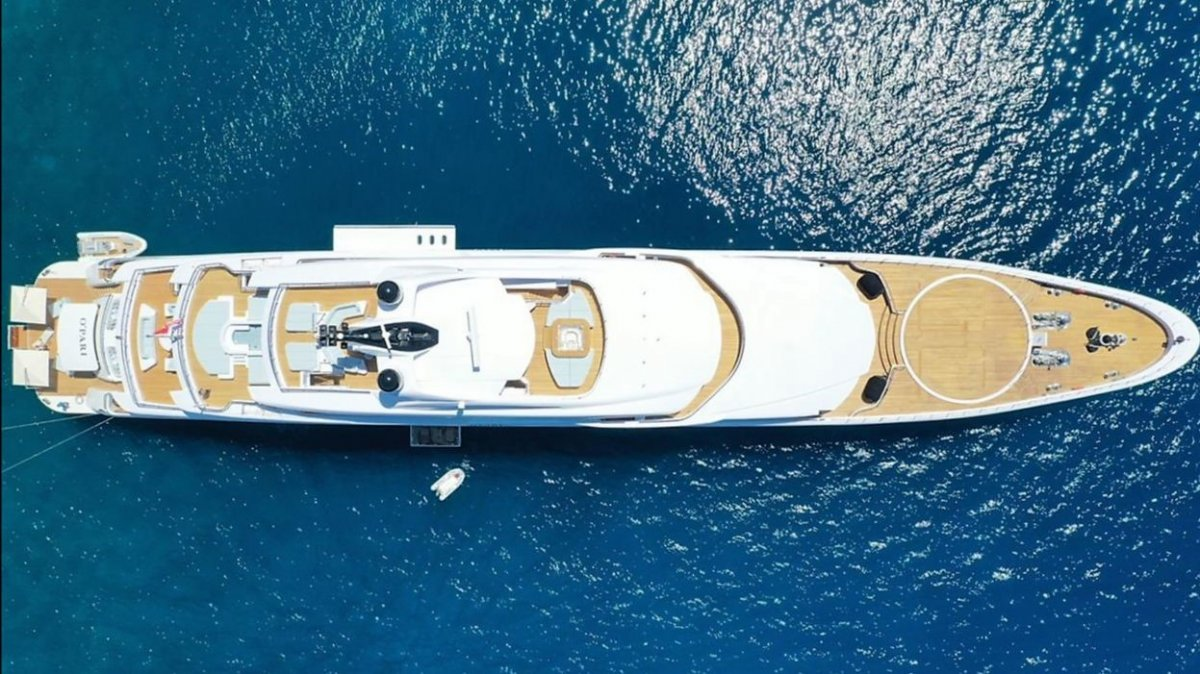 M/Y O`PARI is available from September 2 onwards in Greece.